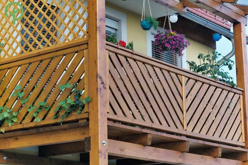Gyalult deszka lucfenyőből erkély