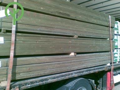 impregnált léc telített léc pakettben kamionon oldalról