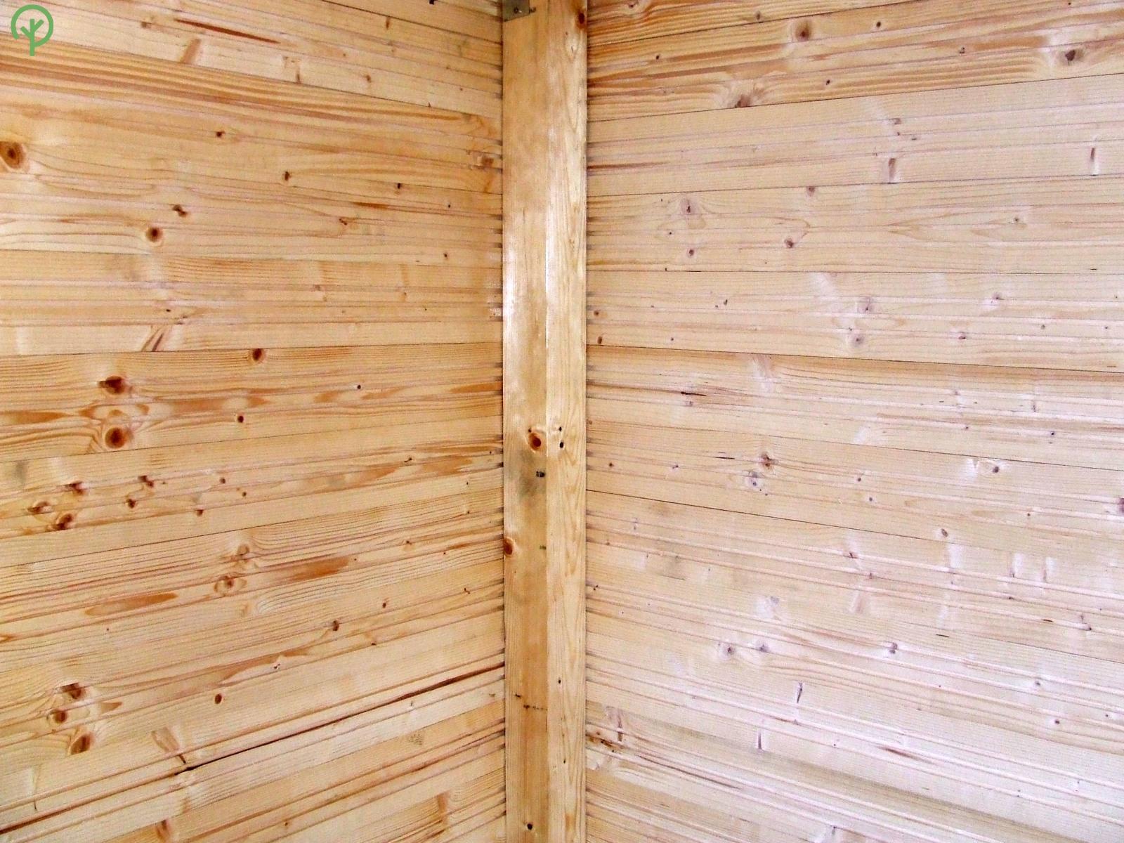 faház burkolat lucfenyőből
