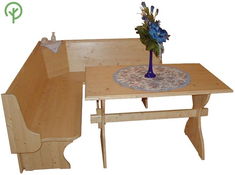 Táblásított fenyő lapból asztal